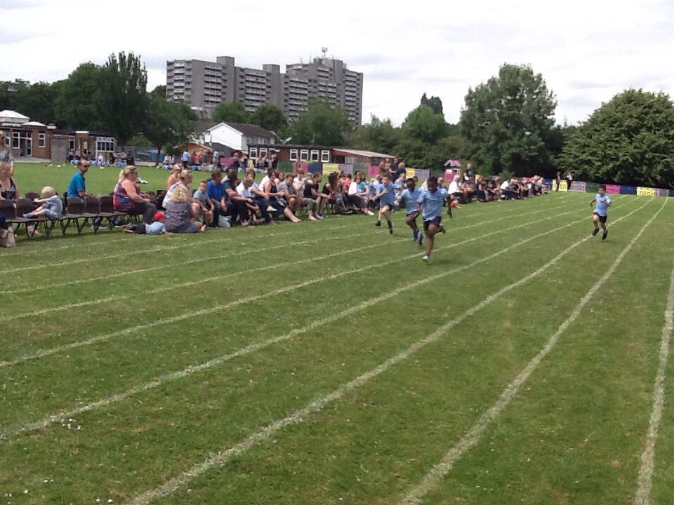 Fantastic year 3 race, well done!