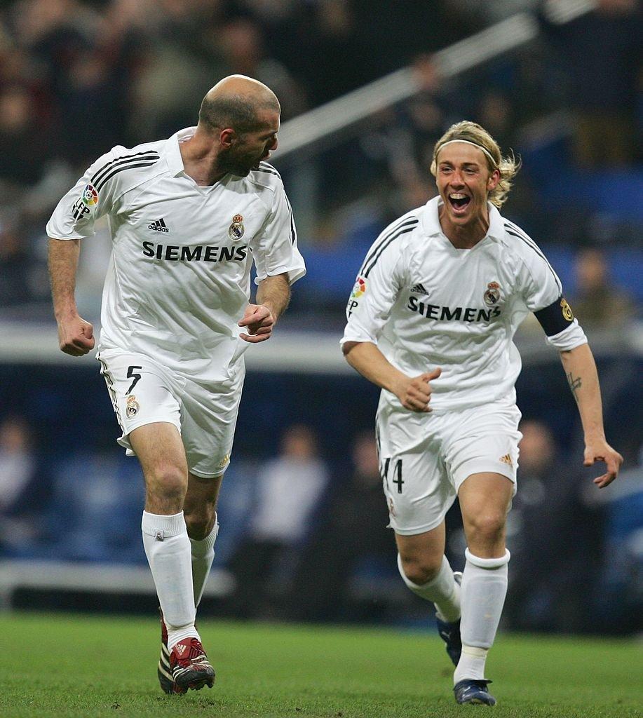 Guti'nin gözü eski takım arkadaşı Zinedine Zidane'ın yerinde... https:...