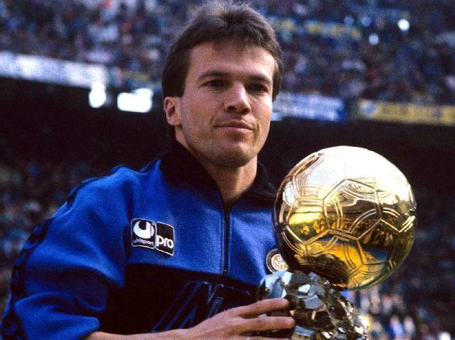 1990 Ballon d'Or 👊 #MondayMotivaton #Throwback https://t.co/6efjrZB3qZ