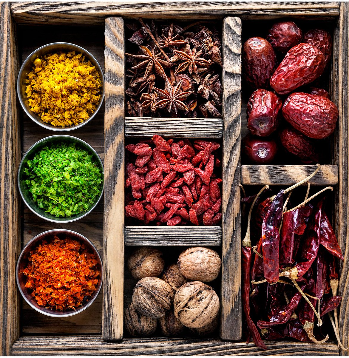 #Solina Group Signs Off on Romanian #Spice Deal  http://www. foodingredientsfirst.com/news/Solina-Gr oup-Signs-Off-on-Romanian-Spice-Deal.html &nbsp; … <br>http://pic.twitter.com/ycpPhyDURR
