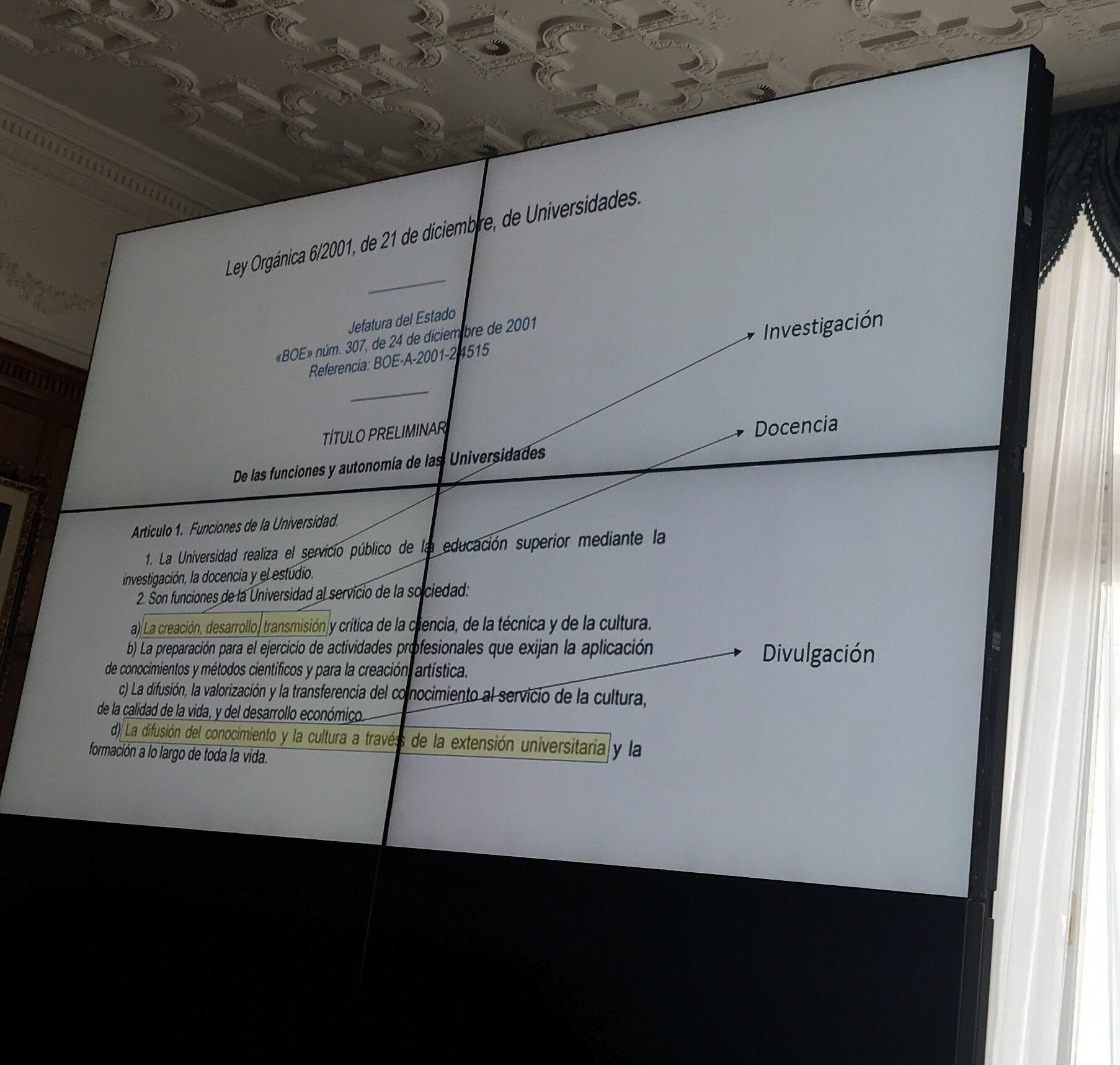 Divulgación y docencia es parte de la función de la Universidad #UIMPDivulgaCiencia @Joaquin_Sevilla @UNavarra (lo dice el BOE!!!!!) https://t.co/TLngRDlxu0