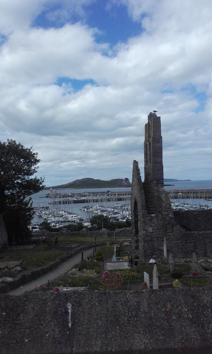 St Mary&#39;s Abbey, #Howth: 1st founded by Sitric #Viking King of #Dublin as a church in 1042 (the year if his death) it was rebuilt in 1235. <br>http://pic.twitter.com/y8F8nycrys