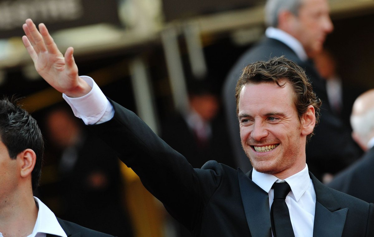 #TB Baby at the #InglouriousBasterds premiere in #Cannes, 2009! Lovely smile  #MichaelFassbender #CannesFilmFestival #QuentinTarantino<br>http://pic.twitter.com/tNpr7KQefE