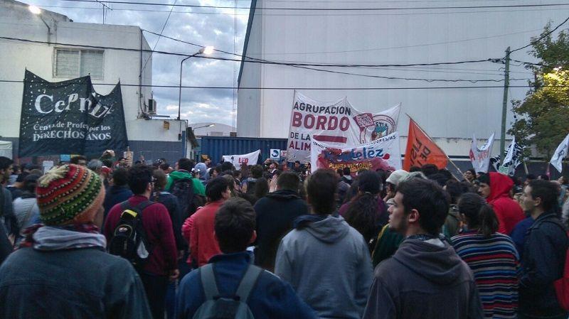 Trabajadores de PepsiCo ingresan a la planta por #NoALosDespidosEnPeps...