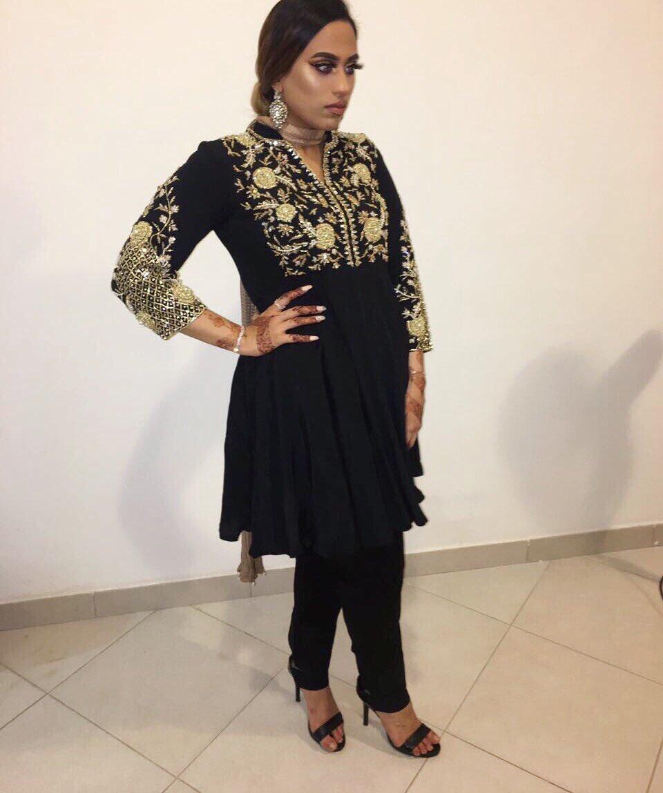 My glow by @artistcouture got me looking everyone&#39;s Eidi on Eid  #EidMubarak  #benefitbrows #onfleek #glowqueen #makeup #artistcouture<br>http://pic.twitter.com/58saBQZhfW