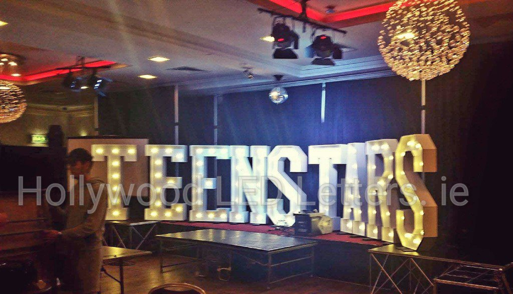 Congratulations to all at this weekend&#39;s @teenstars_eire finals in @redcow_mn #hollywoodledletters @LEDletters #morans #dublin <br>http://pic.twitter.com/90h85ZkJwy