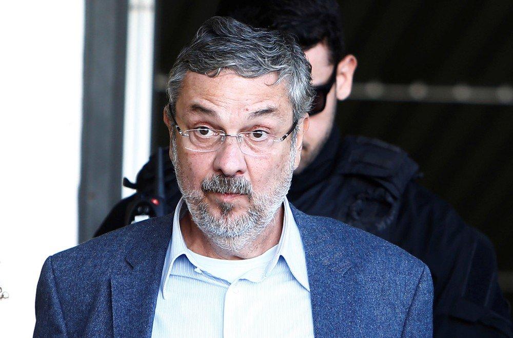 Palocci é condenado pelos crimes de corrupção passiva e lavagem de din...
