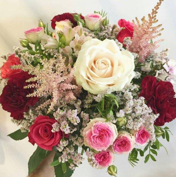 Des fleurs pour celles et ceux qui sont en 'liste d'attente' C'est à d...