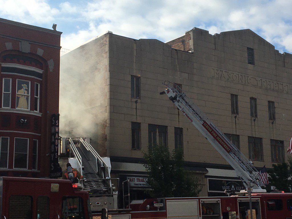 Crews battle major fire in downtown Auburn