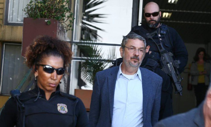 Moro condena Palocci a 12 anos e 2 meses por corrupção e lavagem de di...