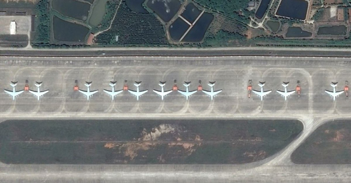 #China #PLAAF #strategic airlifters&amp;refuellers 8X #IL76 &amp; 3X #IL78 at #Huangtucun #Wuhan Wonder why no rear fuselage pods? #PLAAF undpr4mods<br>http://pic.twitter.com/TsGwLufieD