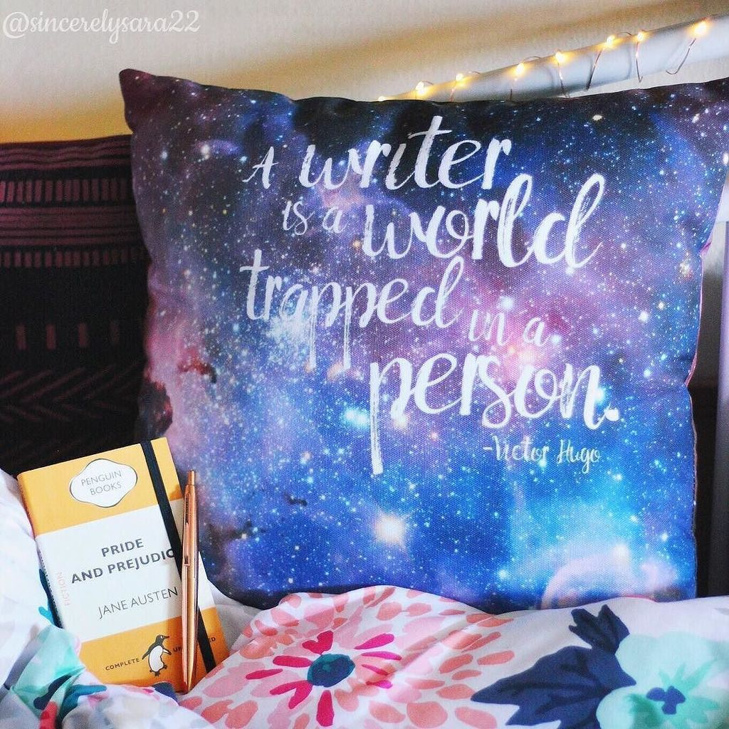 LOOK AT THIS BEAUTY!  My eyes can&#39;t handle the prettiness! I love the cosmic background and the incredible quot…  http:// ift.tt/2sd5hXg  &nbsp;  <br>http://pic.twitter.com/HLvQ2fb7W7