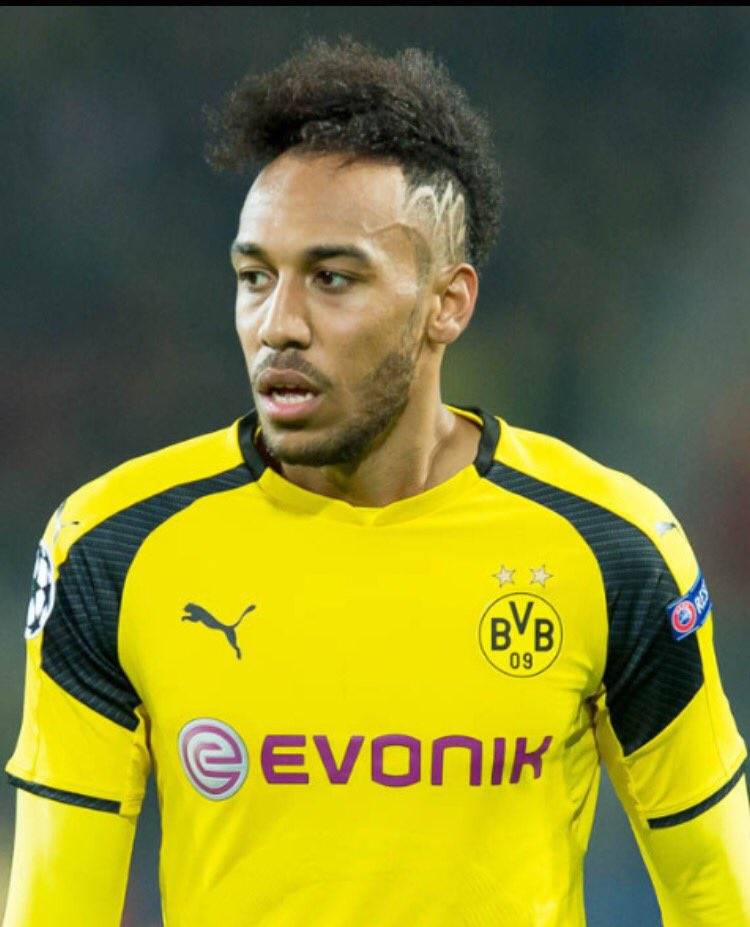Who would you want?   Retweet for Aubameyang  Like for Lacazette   #Aubameyang #Lacazette #Arsenal #AFC<br>http://pic.twitter.com/vdNcttHOTf