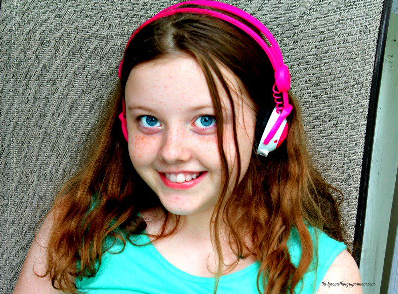 Show your kids what music should sound like with this #RoadTrip #Playlist &amp; Win them some #headphones  http:// thirtysomethingsupermom.com/rock-roll-road -trip-playlist/ &nbsp; …  #ad #giveaway<br>http://pic.twitter.com/uWIKtk5st9