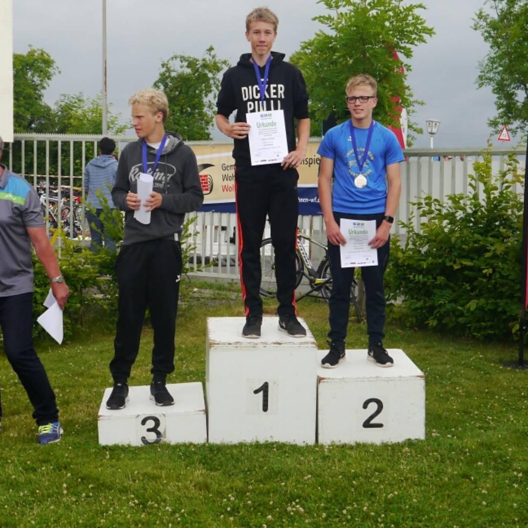 Unser fschonke wird triathlon landesmeister nidersachsen in der jugend b http www tri team lueneburg de ergebnisse 2017 triathlon html report_390