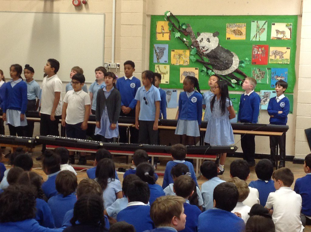 #year4c Sing performance Cookies song. https://t.co/xX0ML7fa1V