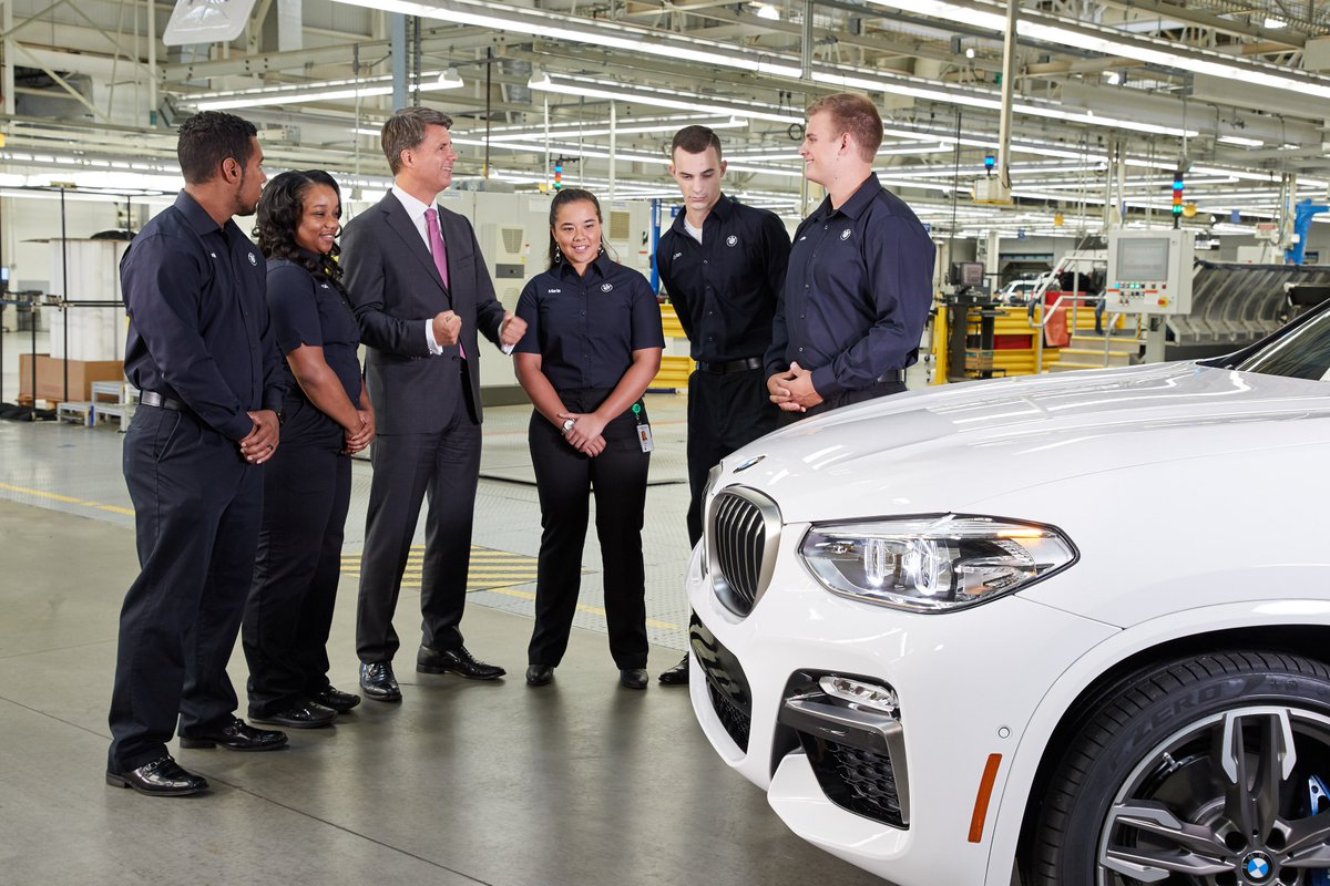 CEO Krüger: Today we announced another 1,000 jobs in #Spartanburg SC by 2021. Free trade makes this success in USA possible. #BMWUSA<br>http://pic.twitter.com/NTgeURosks