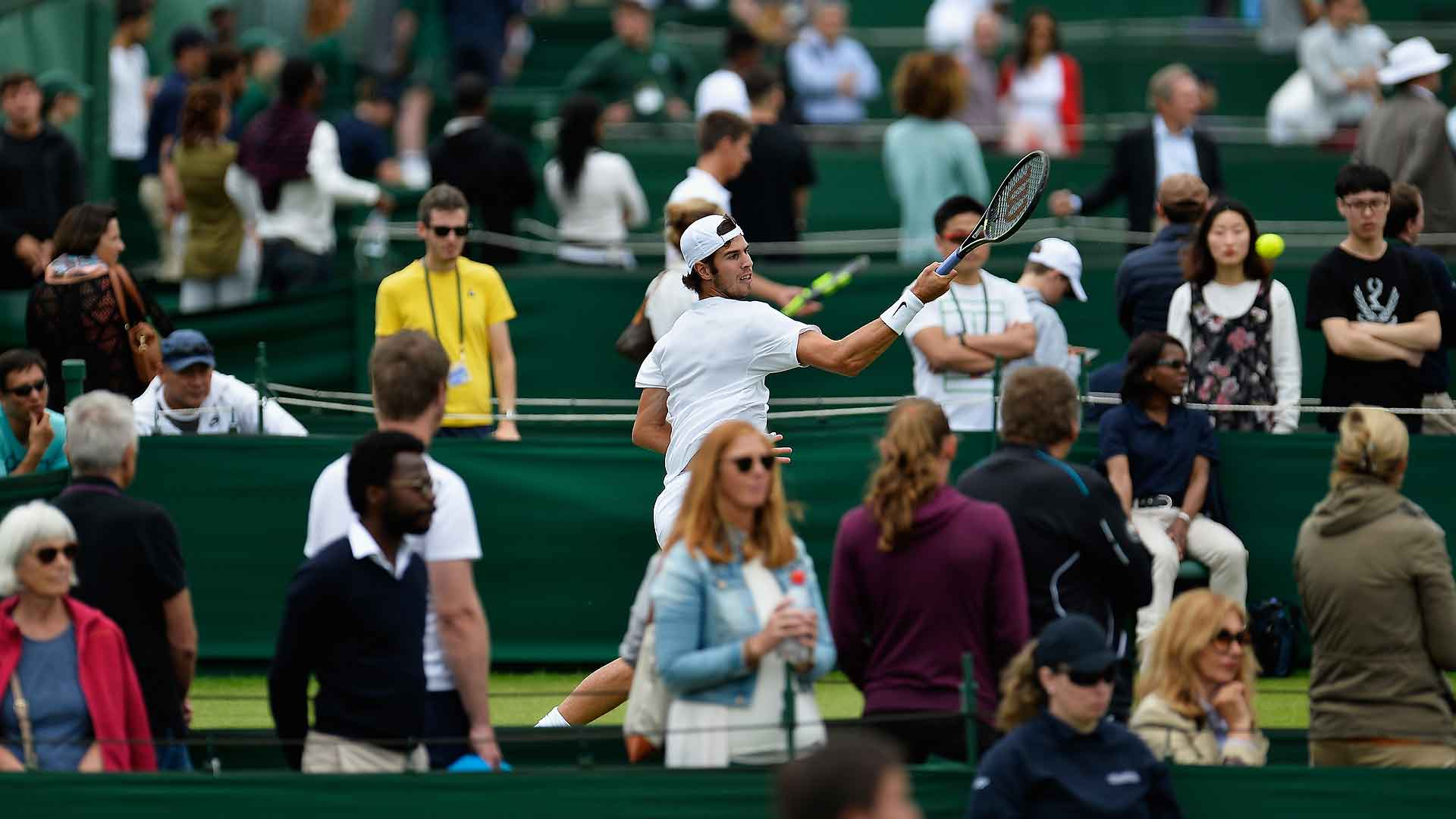 Watch Day 1 of @Wimbledon Qualifying now: https://t.co/WyBTDsGj18 (global excl. US, Spain, Italy) #atp #tennis https://t.co/bA2Q3xL0HA