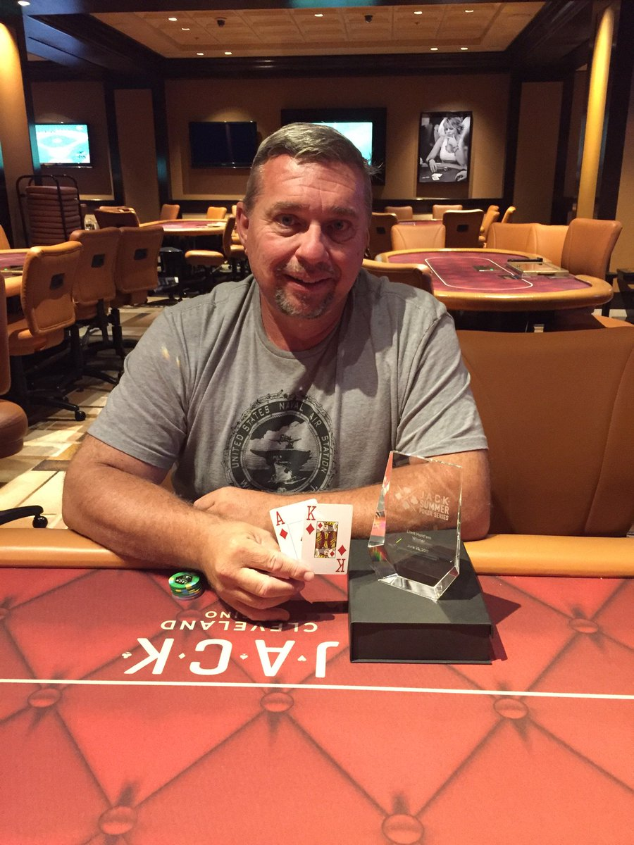 #JSPS Congratulations to Pilton-Winner of the Limit Hold&#39;em. <br>http://pic.twitter.com/a2iXScB2bP