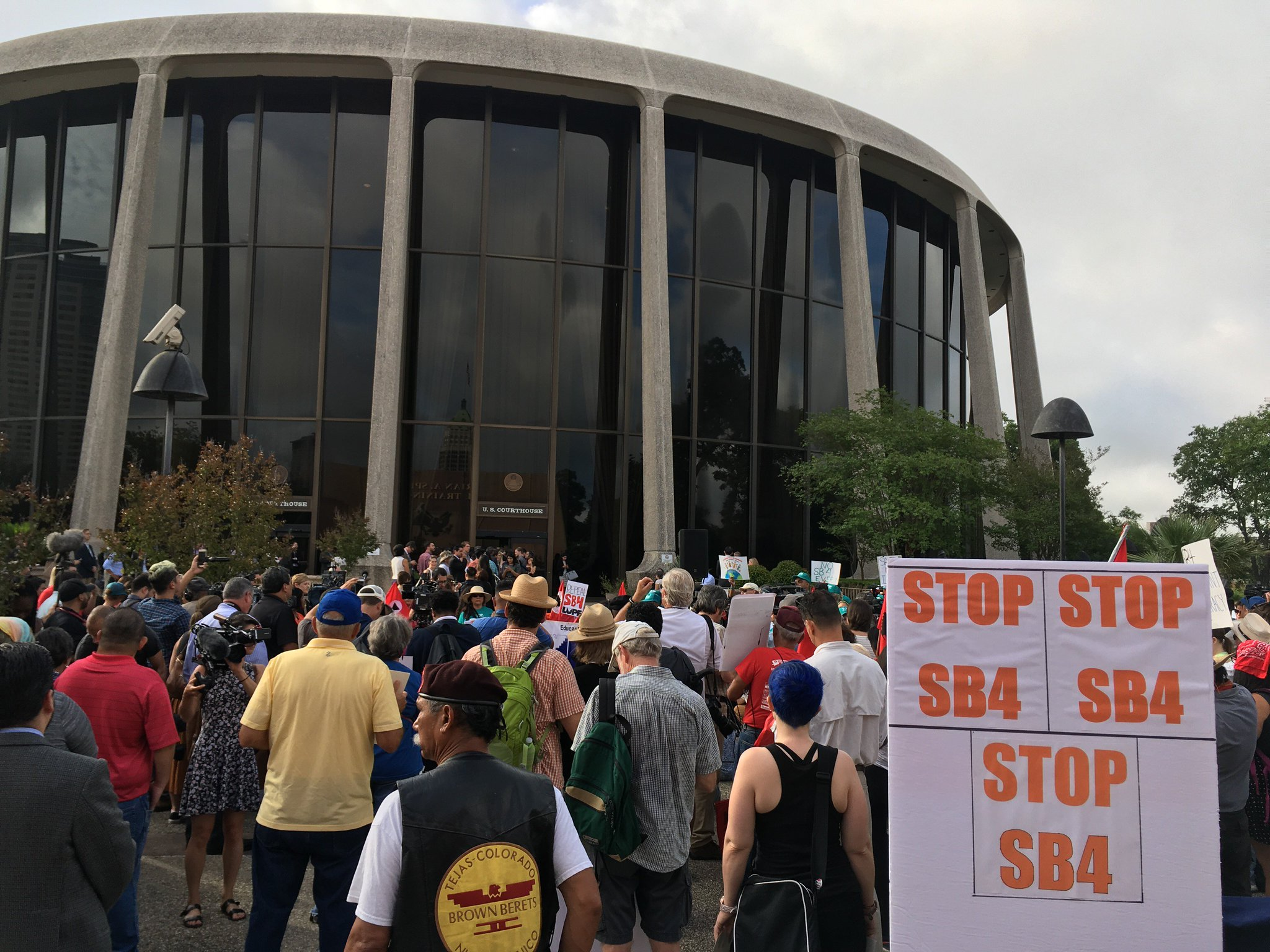 NEW: Protesters Surround Courthouse as First Major #SB4 Hearing Begins https://t.co/bgv8om5sZN https://t.co/nbcKhuLs77