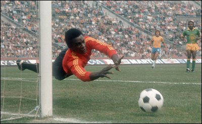"""GoaliesAreDifferent on Twitter: """"Zaire's Kazadi Mwamba in action against  Brazil at the 1974 World Cup Finals… """""""
