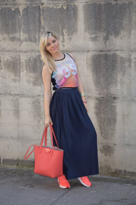 OUTFIT: PLEATED SKIRT AND SPORTY TOP TANK