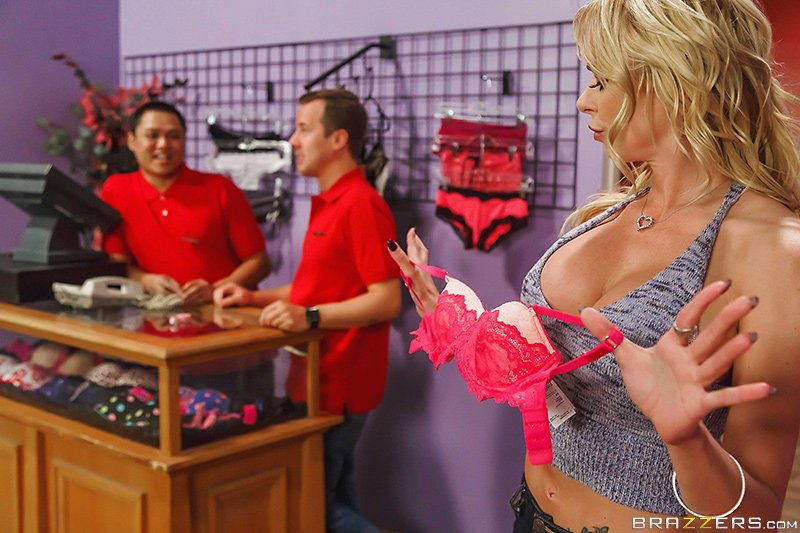 #NewZZ @brianabanksxxxx  is back in 'If The Bra Fits' with @JessyJones...