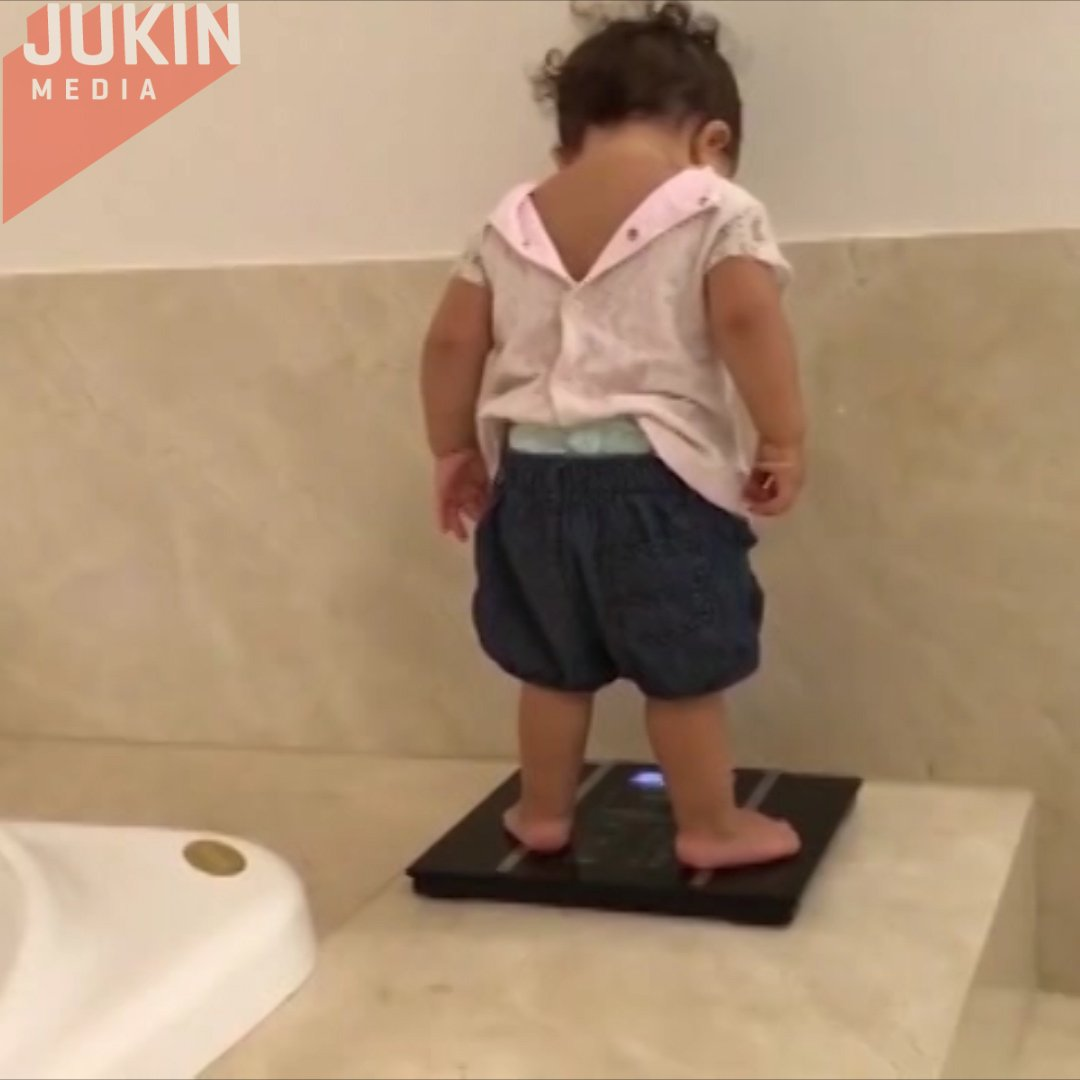 Baby's reaction to scale is us every Monday morning. #SundayFunday #Mo...
