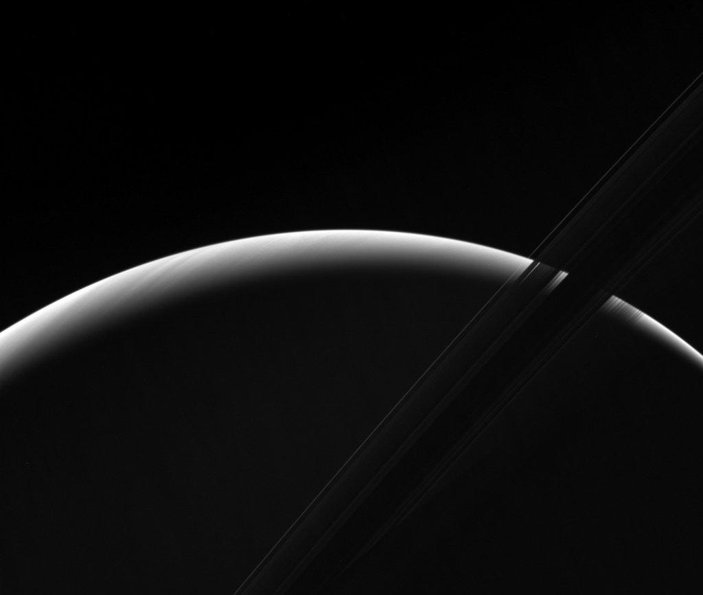 imagem pra pensar na vida: Saturnian Dawn via NASA https://t.co/tn7E5ijqUC