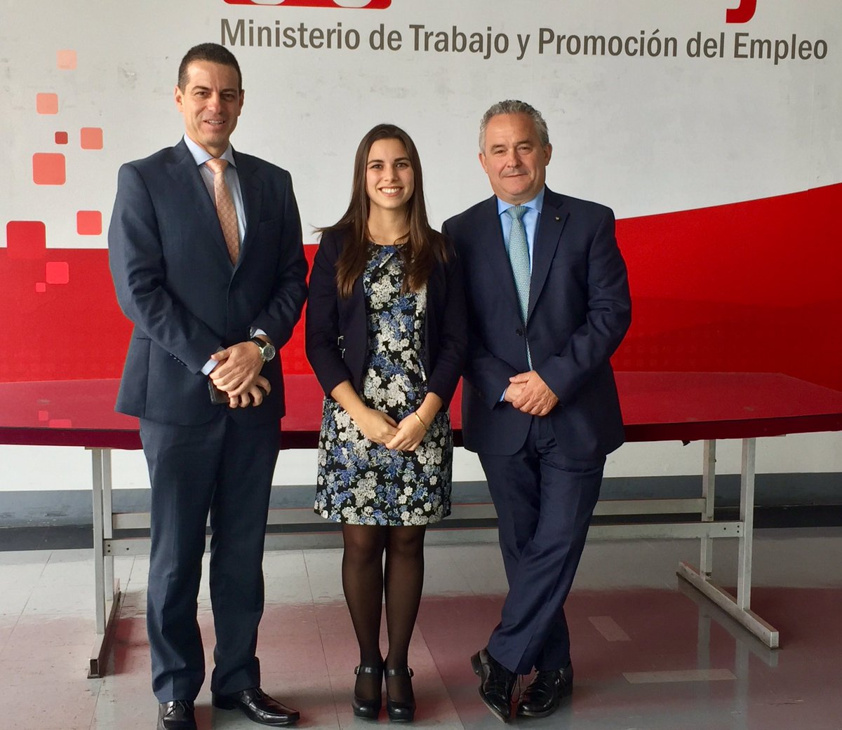 Meeting with Peru&#39;s deputy minister of labor to generate a fairer #Peru. @MTPE_Peru #ValeriaC1M #CEO1Month #CEOAttitude #Work #Forces <br>http://pic.twitter.com/ERlsQYv9Vc