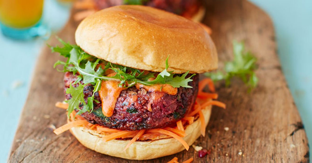 How to make the perfect veggie burger: https://t.co/0pUpCsQUCI #meatfr...