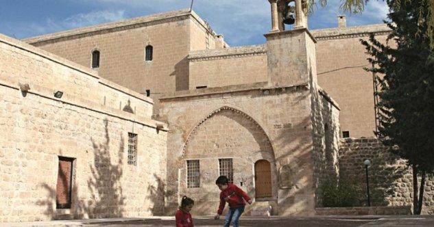 AP milletvekili Süryani kiliselerin Diyanet'e devredilmesini eleştirdi...