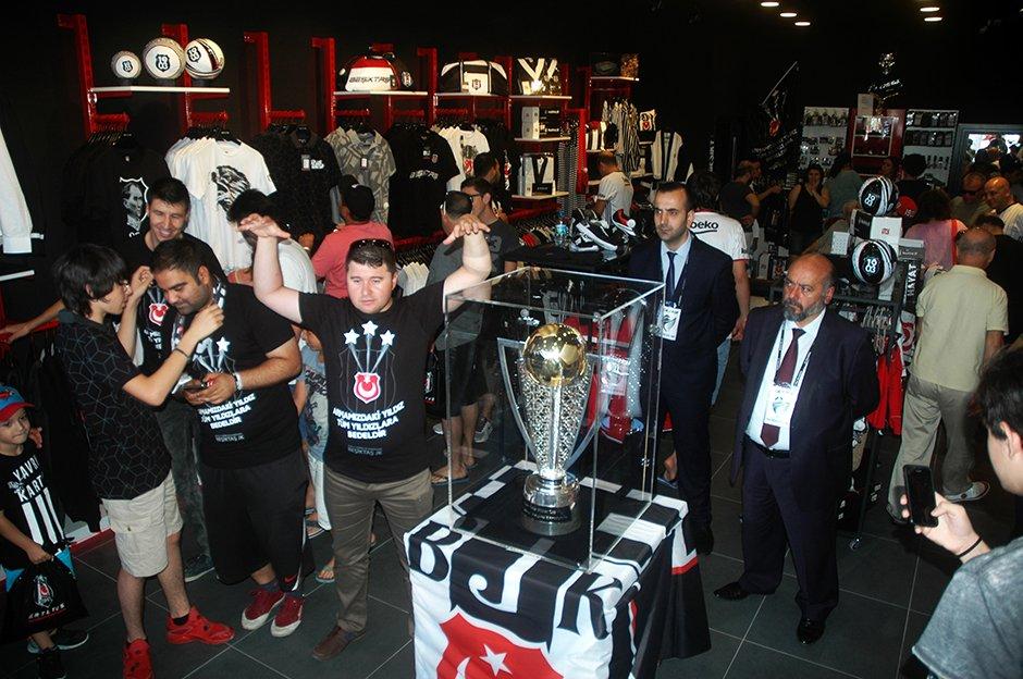 Şampiyonluk kupası Bodrum'da https://t.co/xQRKqIkG63 https://t.co/oRUy...