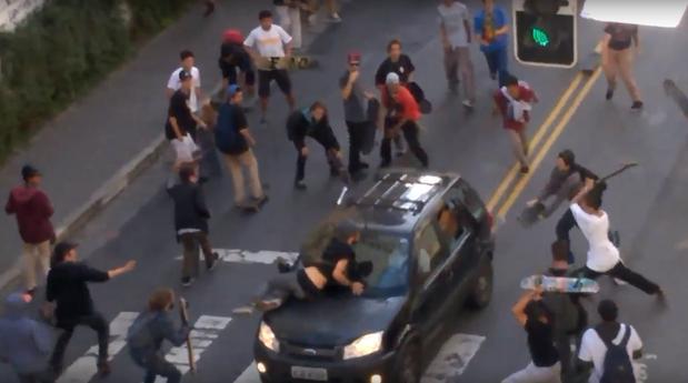 Motorista que atropelou skatistas em SP se apresenta à polícia. https://t.co/YMan4axsog