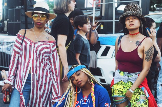 16 badass looks from the 2017 #RootsPicnic https://t.co/tfKjW1CRX2