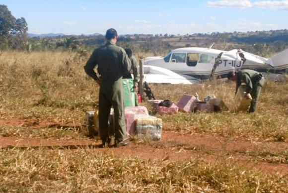 Piloto de avião interceptado com cocaína diz ter decolado de fazenda de Maggi. https://t.co/tsdmlmovyr