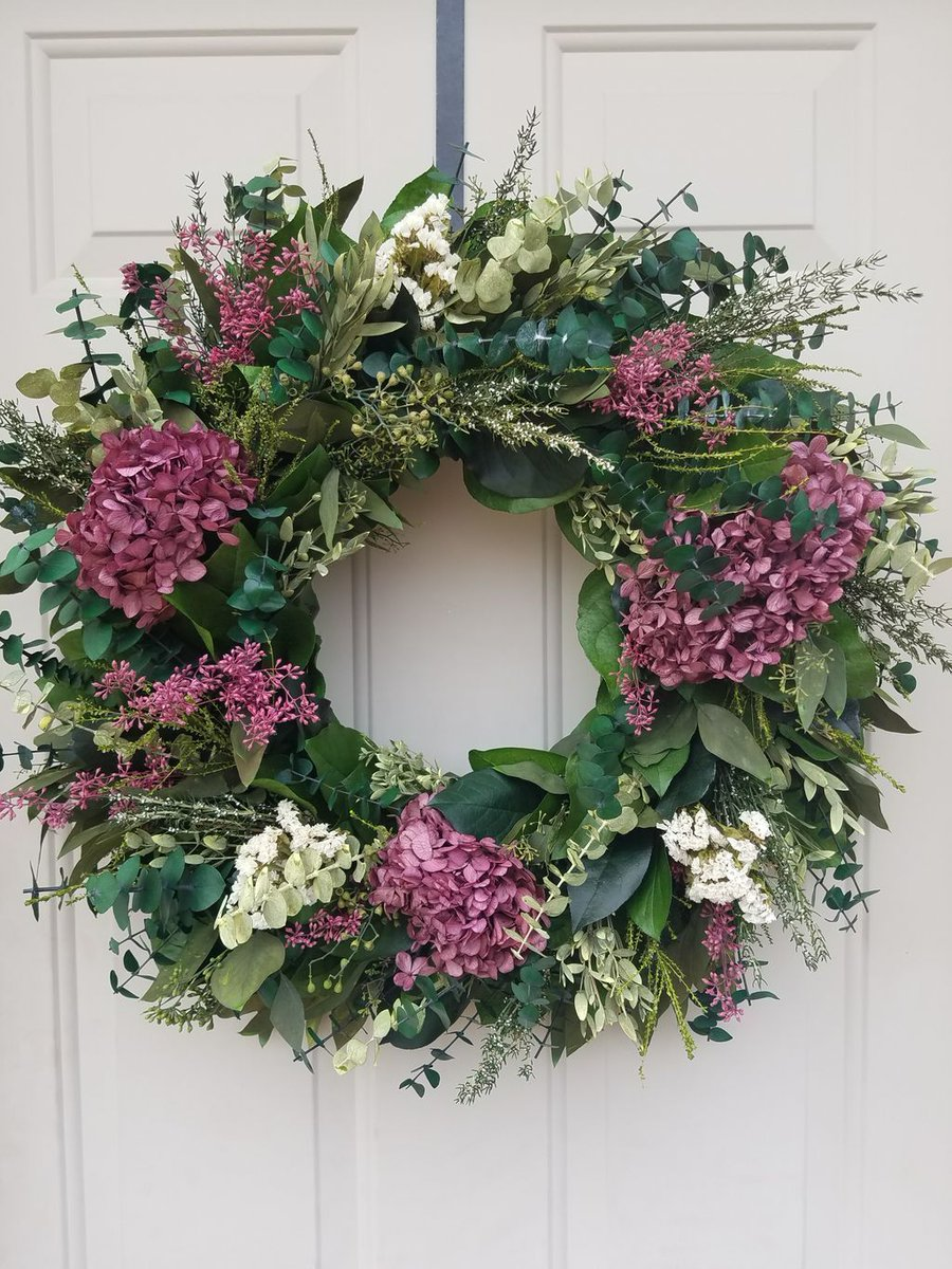 Preserved hydrangea wreath perfect for #mothersday. #gifts #momgift ht...