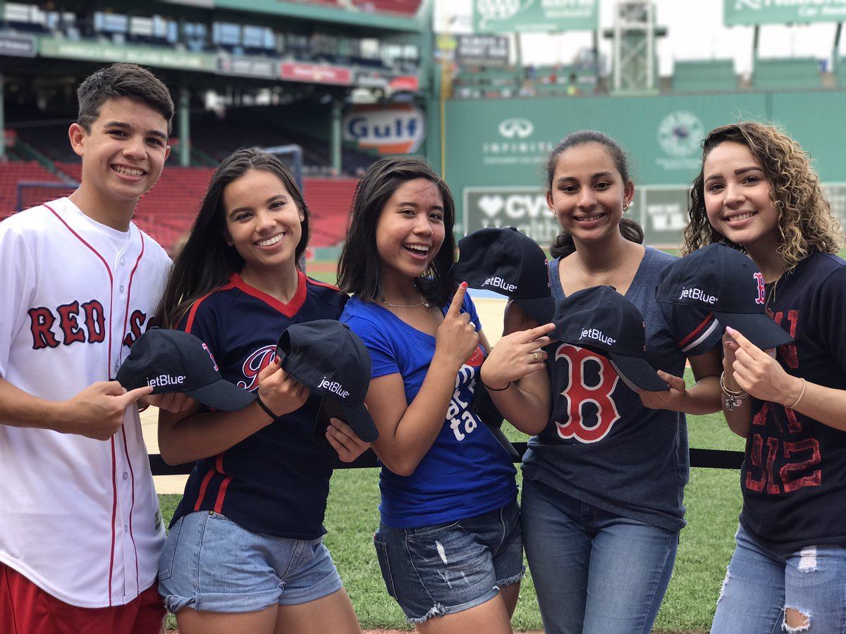 test Twitter Media - Thank you @JetBlue and @RedSoxFund for inviting us to batting practice! https://t.co/e2lv06foWF