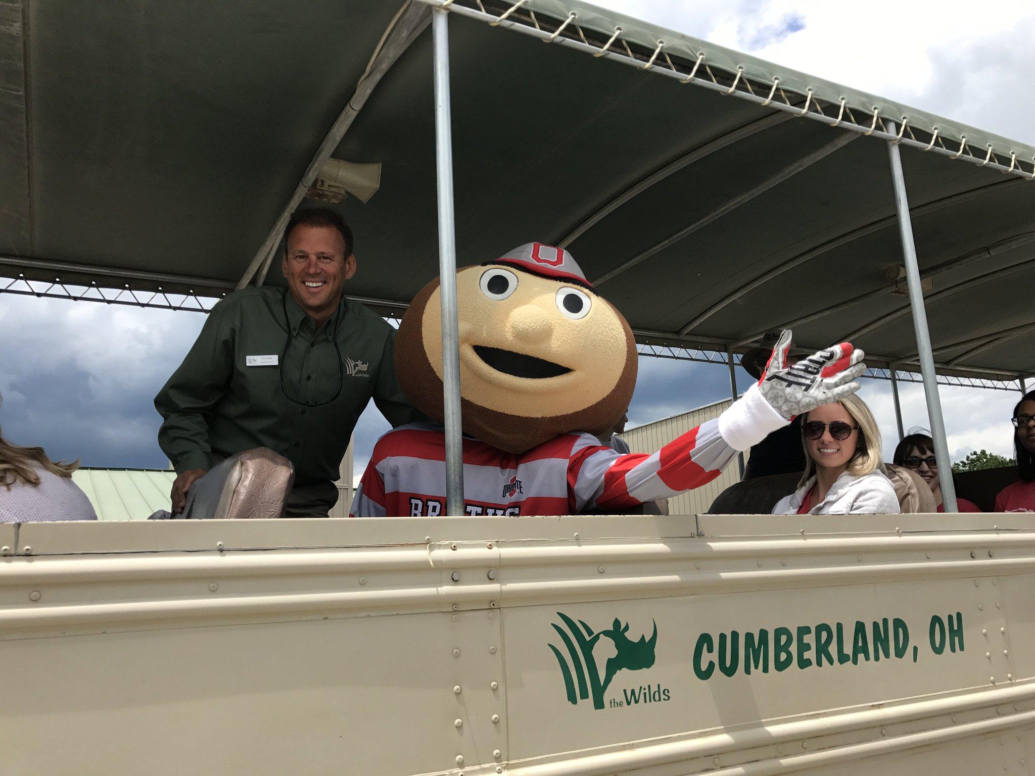 🙌@Brutus_Buckeye stopped by for an Open-Air Safari Tour today!🌰 #GoBucks @OhioStAthletics https://t.co/h5wDS9LrtW