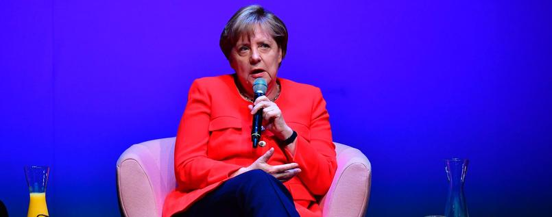 #Ehefüralle: #Merkel rückt vom Nein der #Union ab, bringt 'Gewissensentscheidung' ins Spiel. https://t.co/Mx57G9ux1A