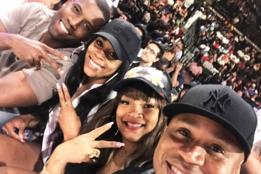 LL Cool J and his wife double date with their newlywed daughter and son-in-law.: https://t.co/oKsKOTqrOa