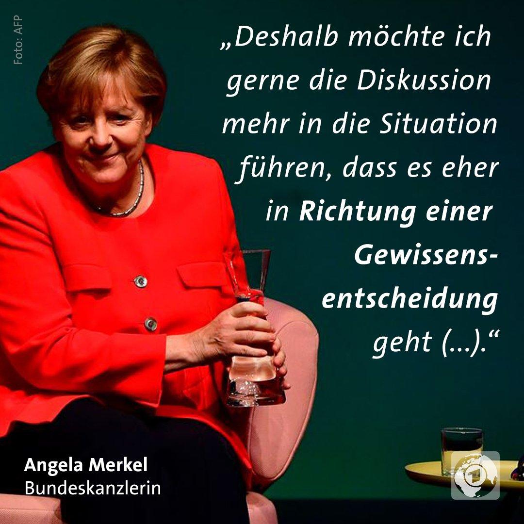 #Ehefueralle? Angela Merkel hat bei einer Veranstaltung in Berlin eine...