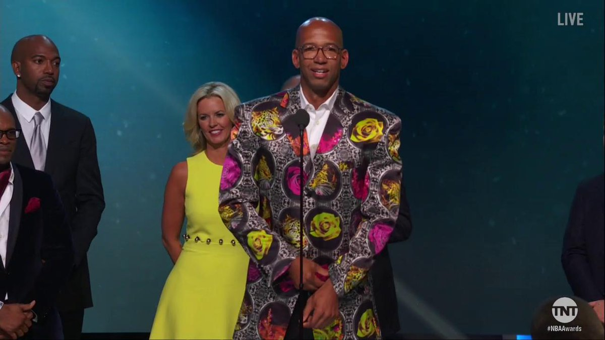 Monty Williams accepts the first #SagerStrong Award.   #NBAAwards http...