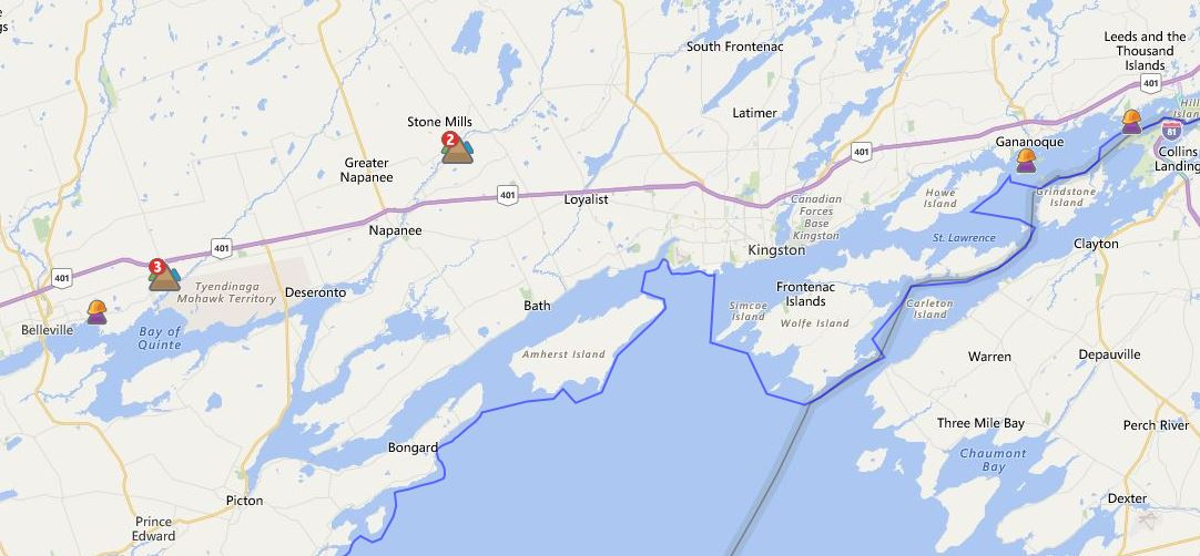 A handful of small power outages reported by @HydroOne across the region as severe storms pass through. #ygk #Belleville #Brockville<br>http://pic.twitter.com/n8gil07keK