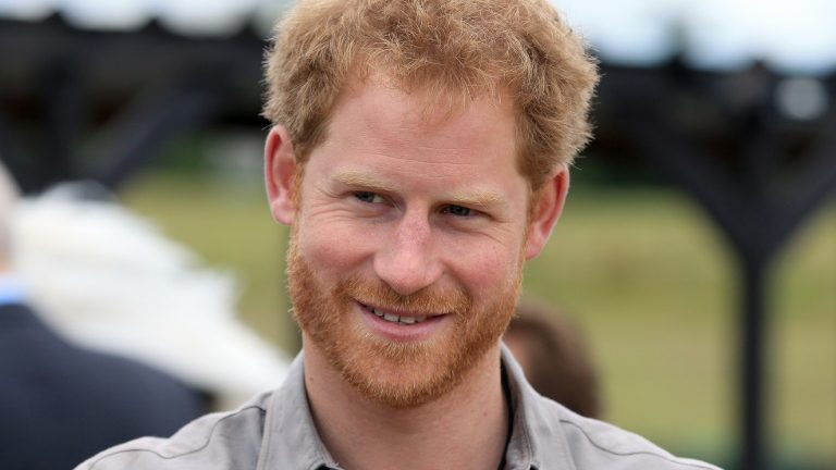 Príncipe Harry confessa que quis 'sair' da família real. https://t.co/Xodb727QPJ