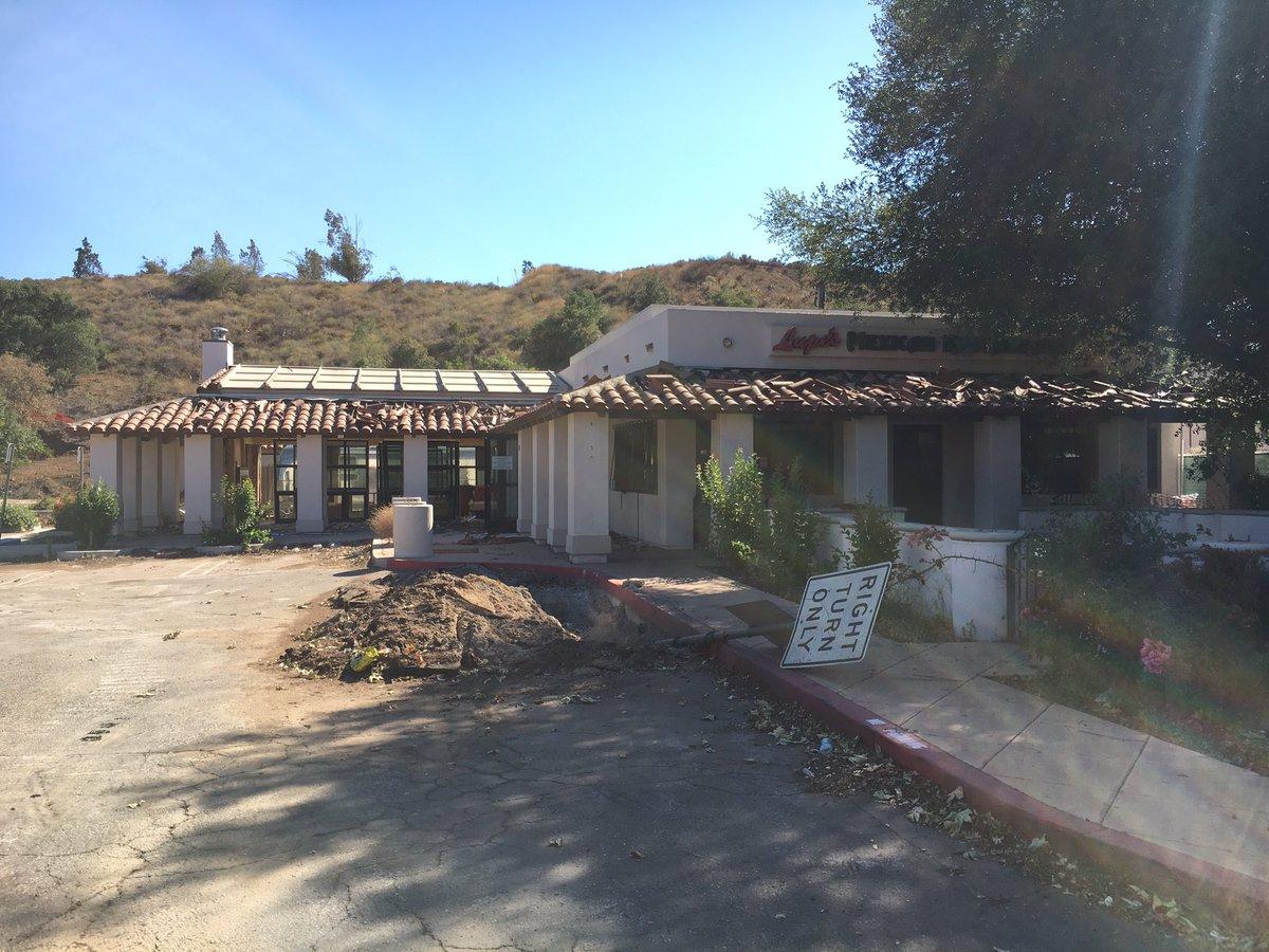 Lisa Mckinnon On Twitter In Thousand Oaks Demolition Of Lupes