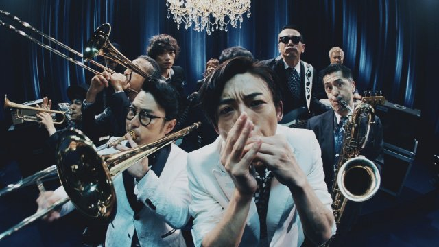 500RT:【初披露】高橋一生、CMでブルースハープを演奏!浜野謙太&スカパラコラボ https://t.co/yp4YX6sF6J  「氷結 ICEBOX」の新CMで、スカパラお馴染みの楽曲を演奏。高橋の美しい音色のソロも聞くことができる。