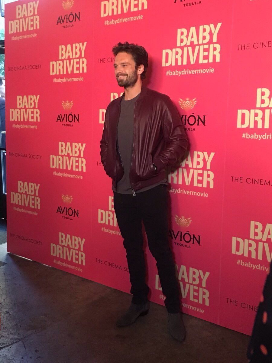 #HollywoodLife: #BabyDriverMovie's NYC premiere brings out the A-list – #adrienbrody, #SebastianStan &amp; #sukiwaterhouse<br>http://pic.twitter.com/cfbDUa0l20