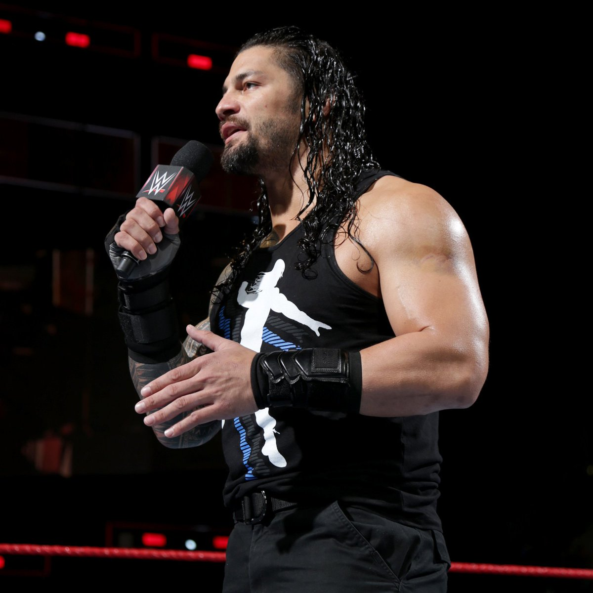 how to make body like roman reigns