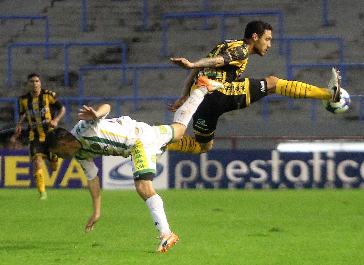 Olimpo le ganó 3-0 a Aldosivi en Mar del Plata, se salvó del descenso...